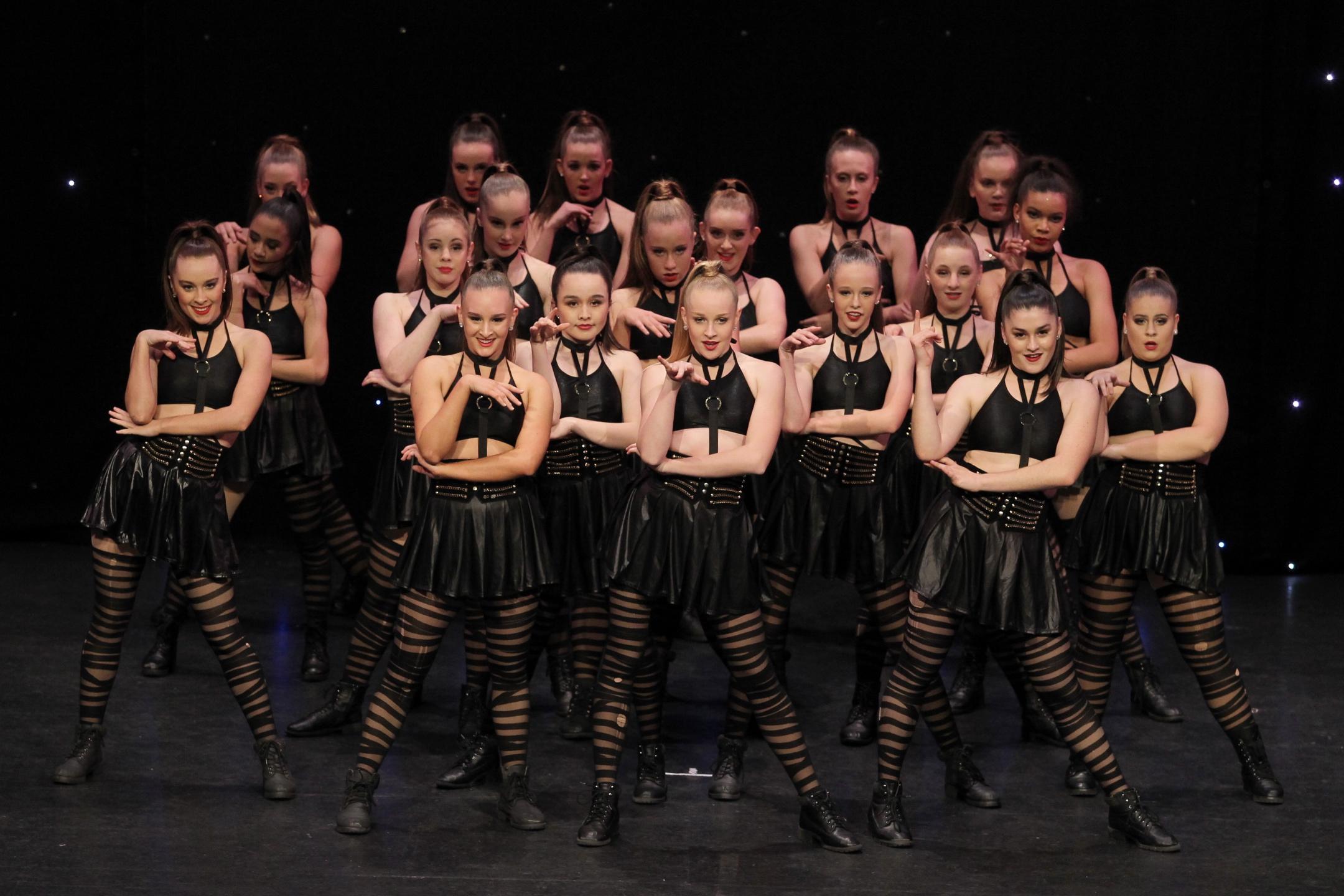 commercial jazz dance - dance teams