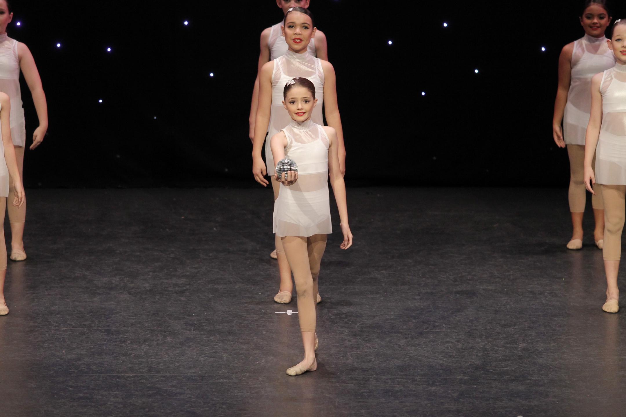 lyrical contemporary dance