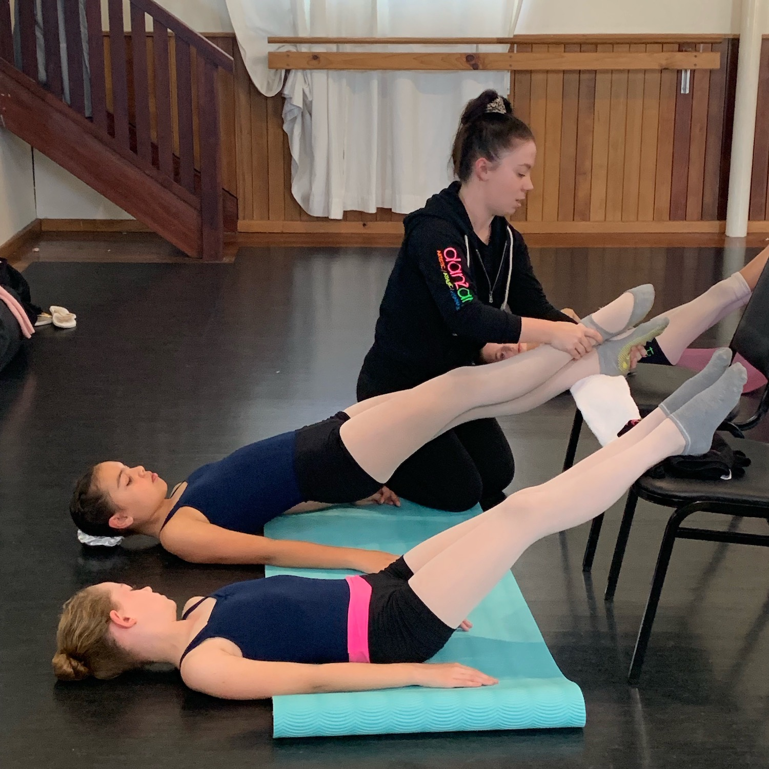 Expert technical dance training with highly-qualified dance teachers